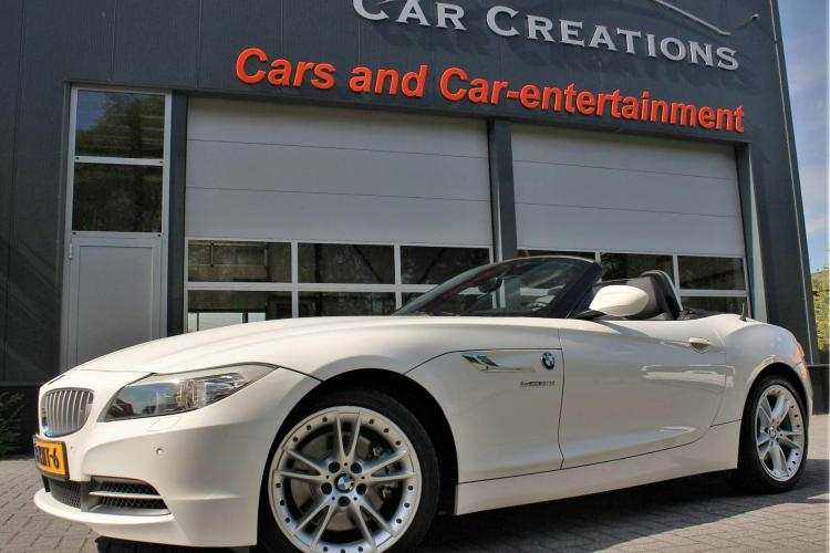 BMW Z4 Roadster 3.0i Introduction (2010)