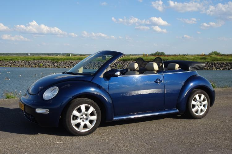 Blauwe Beetle Cabrio Highline